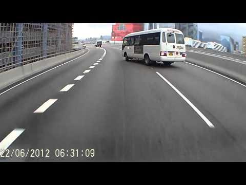 Автобус дрифтанул