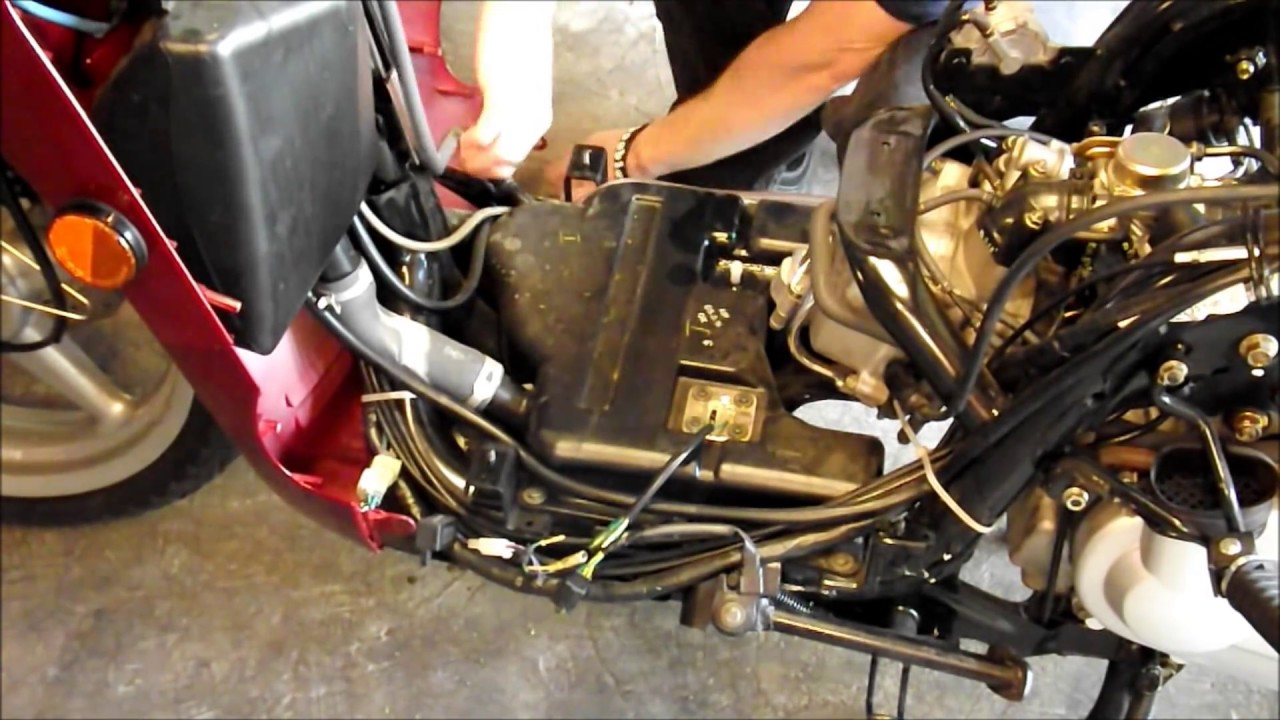 yamaha yzf 125 r wiring diagram diy how to remove and clean the gas tank on a scooter or  diy how to remove and clean the gas tank on a scooter or