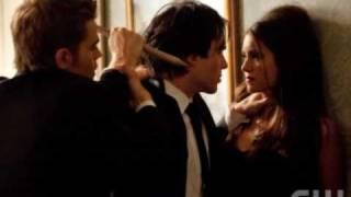 The Vampire Diaries VS Twilight! xox