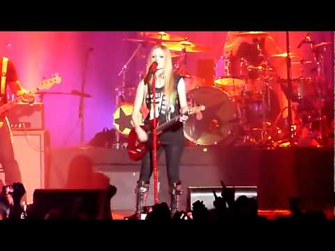 Avril Lavigne - Airplanes (Hayley Williams Cover) + My Happy Ending (Live At Zenith) _9920