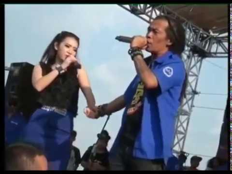 Rena KDI feat Shodiq 'Satu Hati' Monata Dangdut Koplo 2015 mp4