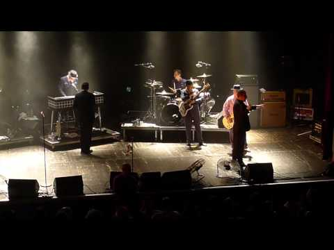 "Madness live @ Trianon Paris 2013 ""House of fun"" + ""Baggy trousers"""