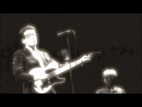 Elvis Costello – Shipbuilding