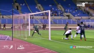فهد حمد يسجل الهدف الأول للأهلى