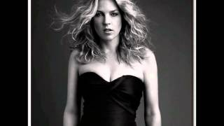 Watch Diana Krall Cry Me A River video