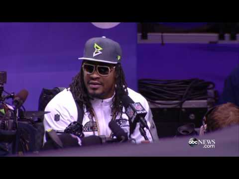 Marshawn Lynch's Bizarre Super Bowl Press Conference: 'I'm Just Here So I Won't Get Fined'