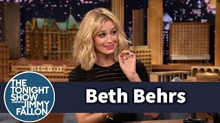 Beth Behrs Sliced Open Her Hand Eating Healthy