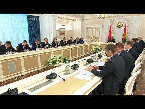 """Лукашенко: договоренности с МВФ о новом кредите не должны привести к """"удушению"""" народа"""