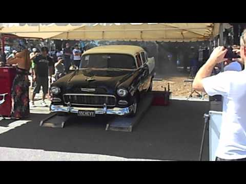 MAX Pinjarra 2012 Black and white '55 Chev dyno run.