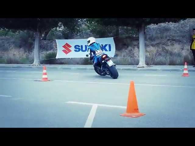 Vid�o Suzuki GSX-S 1000 : D�monstration de Gymkhana