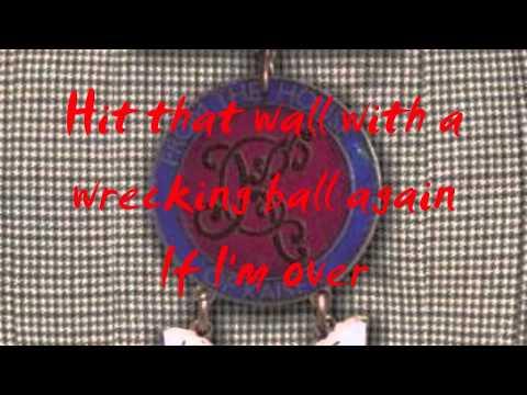 Kaiser Chiefs - Wrecking Ball