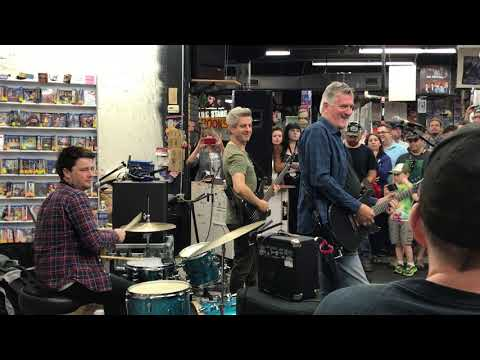 Mike Gordon 9/28/17 The Sound Garden In-Store Performance Syracuse NY