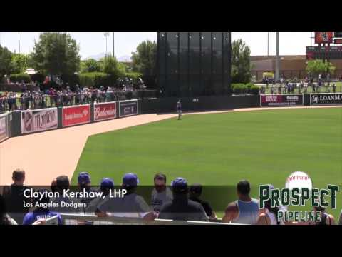 Clayton Kershaw Pregame Routine, Stretching and Long Toss #Dodgers
