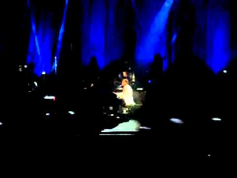 John Legend (Live in Manila 2014) - Bridge Over Troubled Water