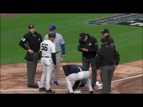 Umpires prank Yankees manager Joe Girardi