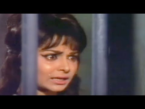 Waheeda Rehman being tortured - Shatranj Scene