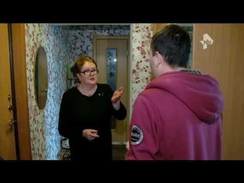 В Екатеринбурге поймали мошенницу, которая заселяла мигрантов в чужие квартиры и оформляла на них кр