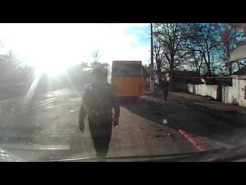 Авария на ул. Чкалова в Керчи