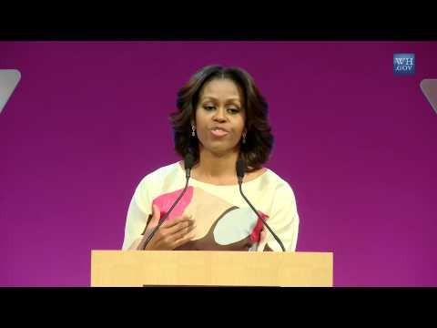 In China, Michelle Obama Praises Free Speech