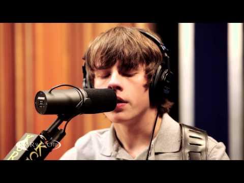 "Jake Bugg performing ""Broken"" Live on KCRW"