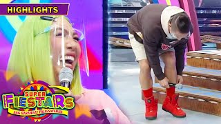 Vice Ganda laughs at Jhong Hilario's red shoes | It's Showtime Super FieSTARs