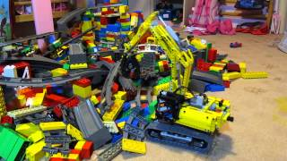 Removing LEGO Disaster - LEGO Technic 42006 Excavator in action