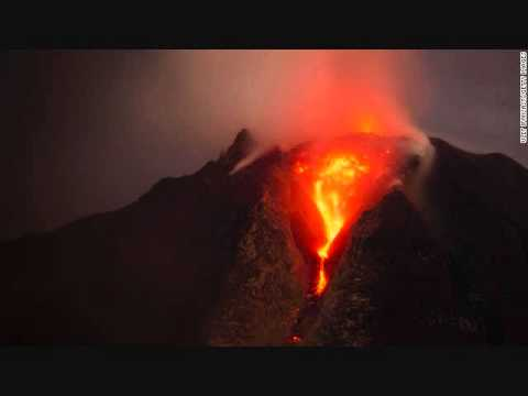 Mount Sinabung Eruption Threatens Indonesian Village | Breaking News