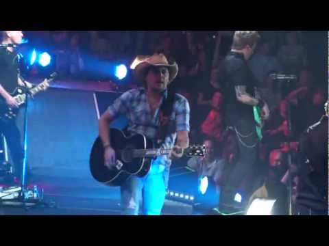 Jason Aldean - Tatoos On This Town Live In Concert (hd) video
