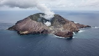 Spectacular video  White Island Volcano erupts    the full version