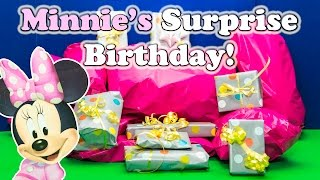 Opening Minnie Mouse and Mickey Mouse Surprise Birthday Party Toys