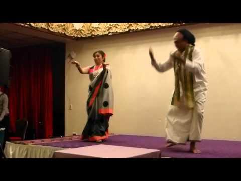 Paplu Dances to Ek Chatur Naar Karke Shringaar
