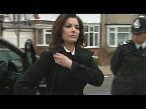 "Subscribe to ITN News: http://bit.ly/itnytsub Nigella Lawson has told a court that she has taken cocaine in the past but says the idea that she is a ""drug ad..."