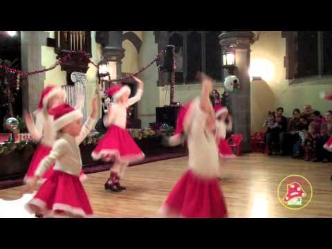 Смотреть танец на новый год