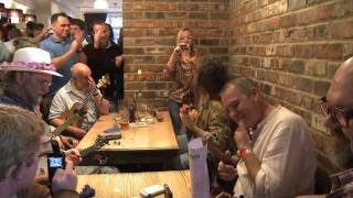 Cheltenham Ukulele Festival of Great Britain 2011 Part 2 .mov