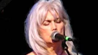 Watch Emmylou Harris Bang The Drum Slowly video