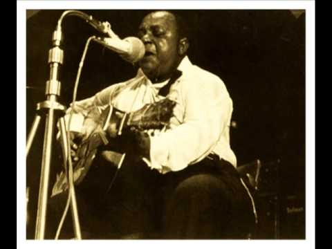 'I'm Getting Wild About Her' BIG JOE WILLIAMS (1941) Delta Blues Guitar Legend