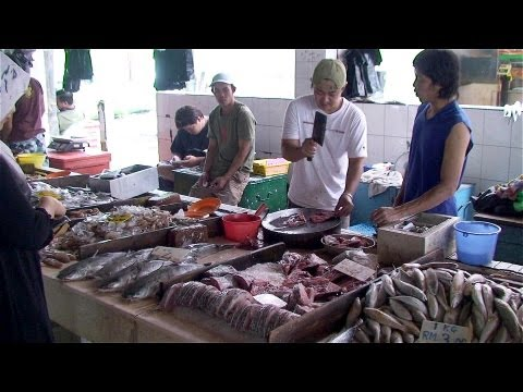 "Malaysia / Borneo-Sarawak - Miri City ""Tua Pek Kong Temple, Fishmarket ..."""