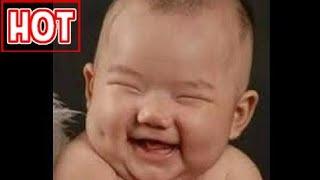 hài hước em bé cười