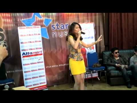 Akhir Tahun 2012 Ayu Ting Ting �SINGLE HAPPY'
