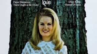 Watch Lynn Anderson Okie From Muskogee video