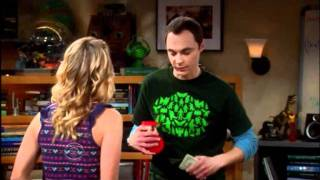 The Big Bang Theory - Sheldon presta dinero a Penny