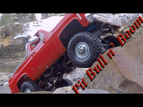 Scale Town testing out the Pit Bull Growlers and BoomRacing 1.55 rims RC CWR