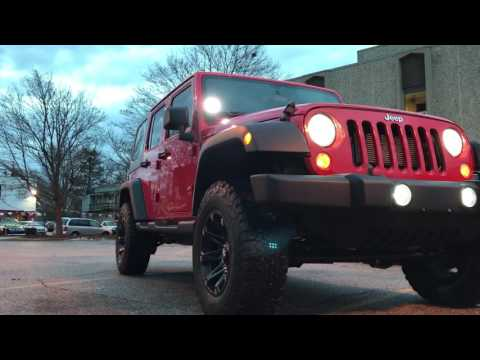 Jeep Wrangler with 2.5 inch rubicon express lift on 33 inches tires with mono tube shocks