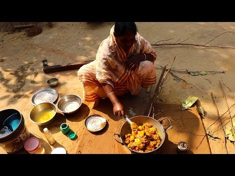 Bengal's Famous Chicken Curry in Mud Oven prepared by Grandmother | Village Style Chicken Recipe