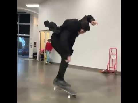 Dracula flip 😂 @tylersmolinski ♻ @pactskateboarding   Shralpin Skateboarding