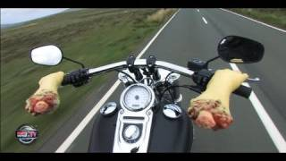 VIDEO : Une Harley au Tourist Trophy ( Moto Journal )