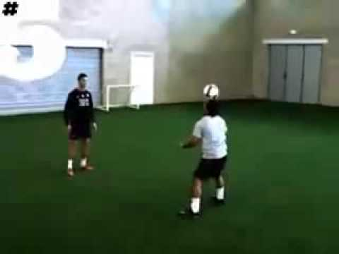 CristianoRonaldo vs Jeremy Lynch Freestyle-2009-5magazine-rioferdinand.com