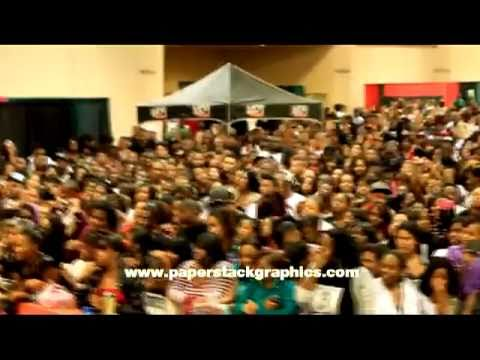 K104 Kwanzaa Fest 2010. ((soufside & ohboyprince)) And white Boy Boogie video