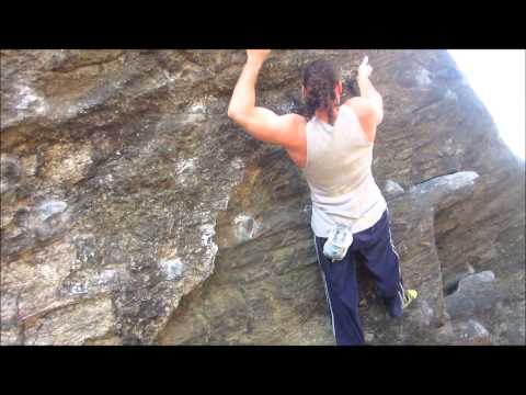 The Art of Rock Climbing: Training. Bouldering in Central Park.
