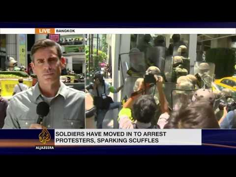 Protesters defy Thai military rulers' warning
